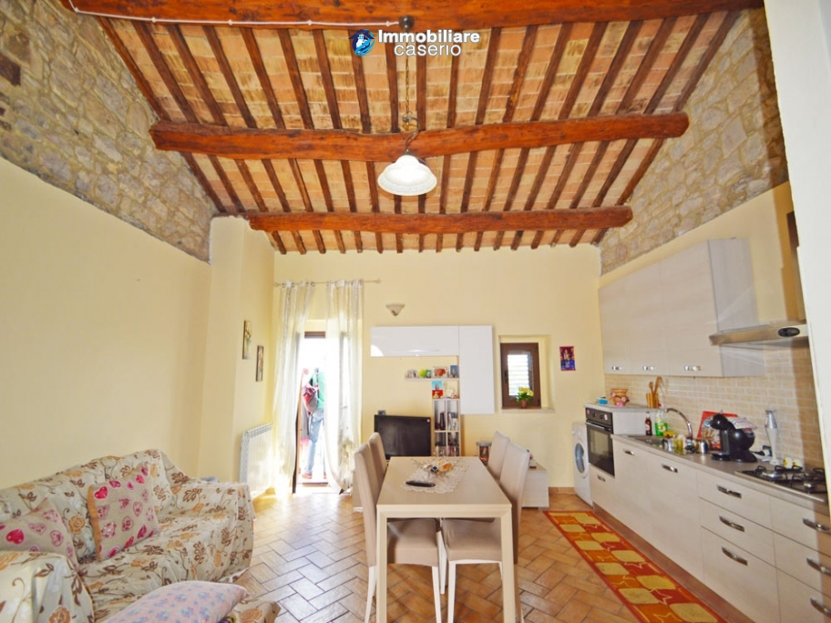 Renovated stone house with garage for sale in Carunchio, Abruzzo