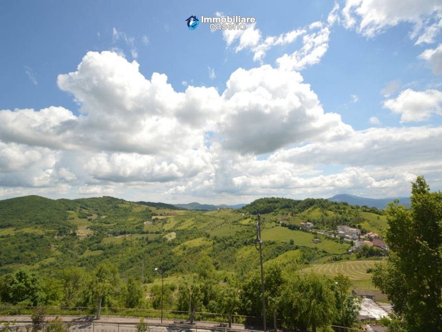Renovated Stone House With Garage For Sale In Carunchio