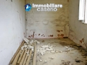 Country house to renovated for sale in a panoramic position, Abruzzo 8