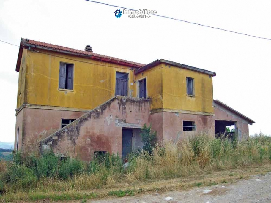 Country house to renovated for sale in a panoramic position, Abruzzo