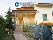 Villa with garden, panoramic view and excellent conditions for sale in Atri, Abruzzo 2