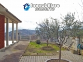 Villa with garden, panoramic view and excellent conditions for sale in Atri, Abruzzo 3