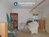 Old masion on two floors with terrace for sale in Abruzzo 11