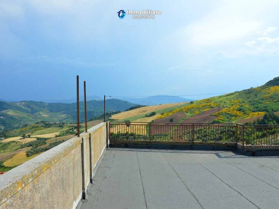Old masion on two floors with terrace for sale in Abruzzo