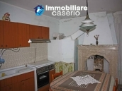 Habitable two bedrooms house with terrace for sale in Molise 9