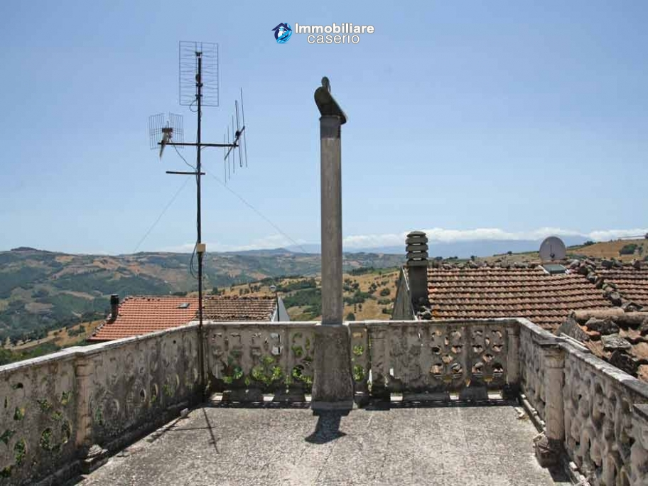 Habitable two bedrooms house with terrace for sale in Molise