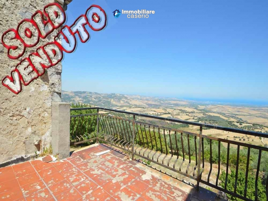 Semi-detached house with panoramic terrace sea view and garden for sale in Mafalda, Molise