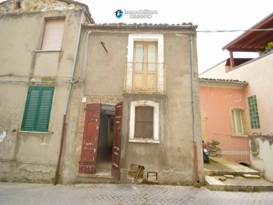 Town house to renovate for sale with cheap price, Abruzzo