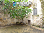 Stone town house, habitable and with courtyard for sale in Bomba, Abruzzo 15