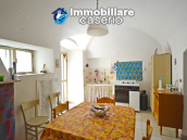 Stone town house, habitable and with courtyard for sale in Bomba, Abruzzo 3