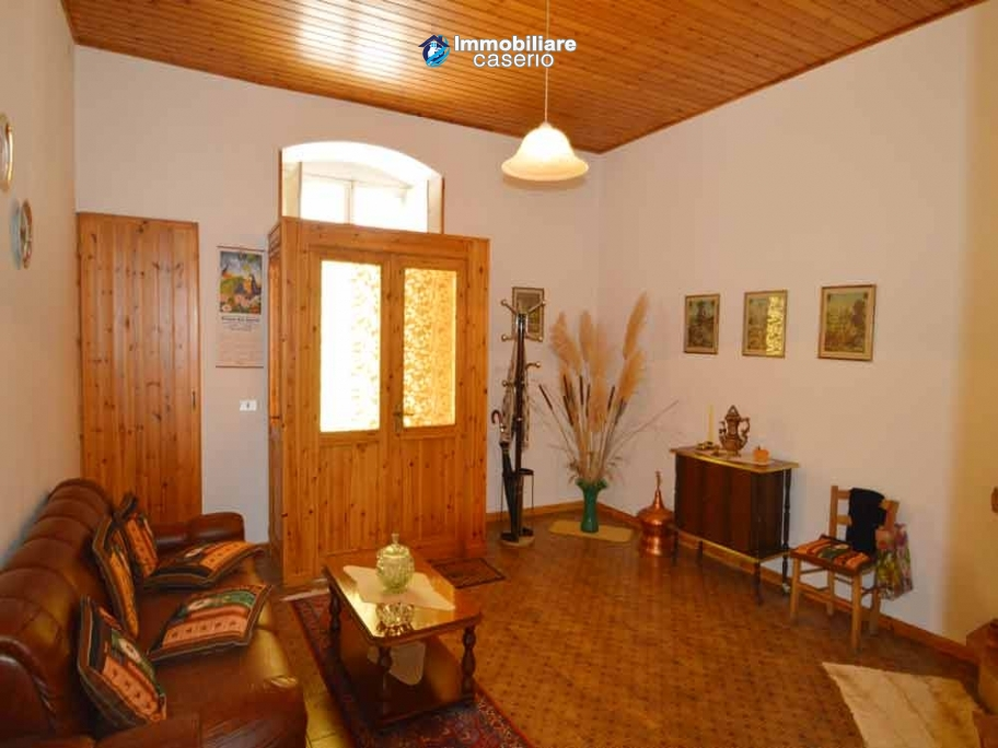 Habitable house finished in wood for sale in Molise, Limosano
