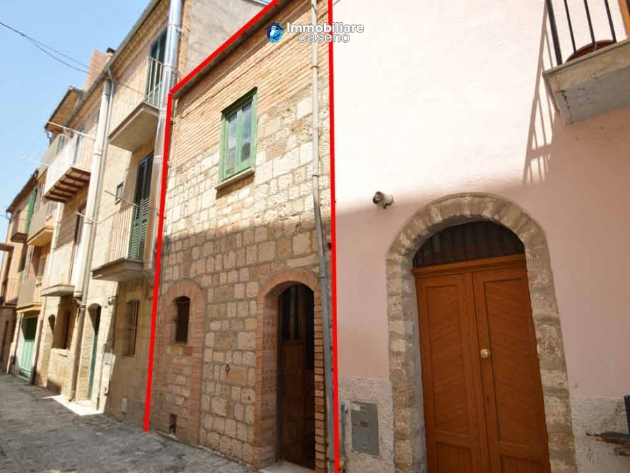 Properties for sale in the region of Molise - Stone house to be restored