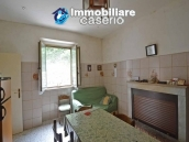 Character country house, habitable for sale in Roccaspinalveti, Abruzzo 3