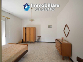 Italian property with a garden and terrace for sale in Roccaspinalveti 5