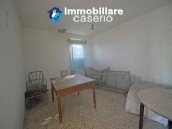 Farm house with 2 hectares of land with sea view for sale in Mafalda 7