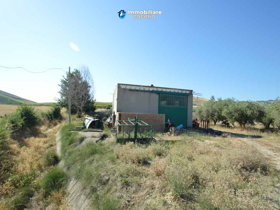 Garage with 3 hectares of land for sale a 2 km from Andriatic sea, Molise