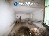 Stone cottage with well and hectares for sale in Abruzzo 3
