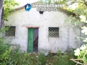Stone cottage with well and hectares for sale in Abruzzo 8