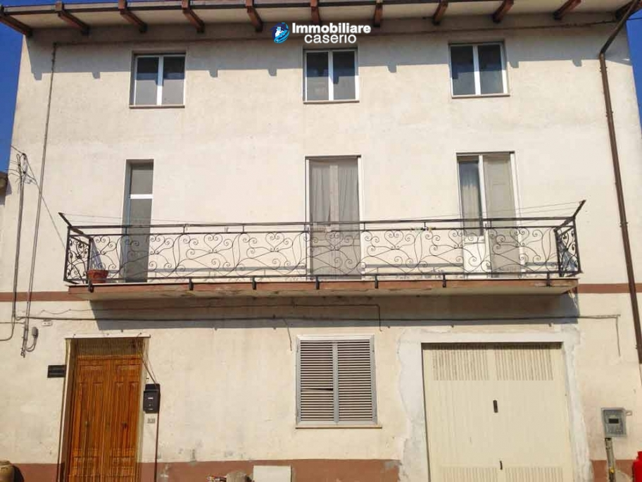Independent house with land for sale in Fresagrandinaria, Abruzzo