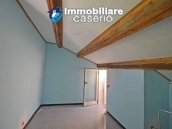 Detached property with courtyard for sale in Molise, Mafalda 15