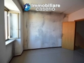 Detached property with courtyard for sale in Molise, Mafalda 9