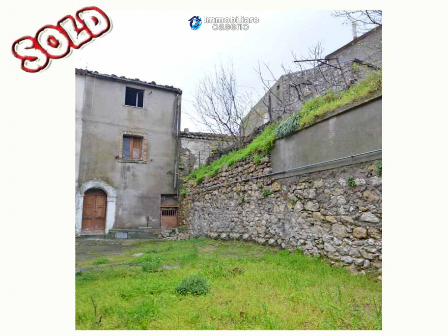 Town house with outdoor space for sale in Molise, Mafalda