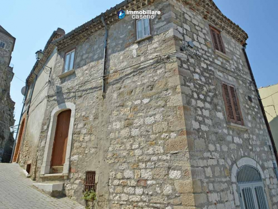 Historic stone house with cellar for sale in Limosano, Molise