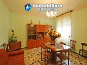 Detached house with garden and barn for sale in Roccaspinalveti, Abruzzo 5