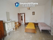 Detached house with garden and barn for sale in Roccaspinalveti, Abruzzo 7