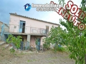 Cottage with garden low-cost sales in Abruzzo, Roccaspinalveti 1