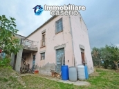Cottage with garden low-cost sales in Abruzzo, Roccaspinalveti 2