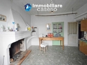 Cottage with garden low-cost sales in Abruzzo, Roccaspinalveti 3