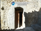 Habitable town house sea view for sale in a Medieval Castle town, Abruzzo 17