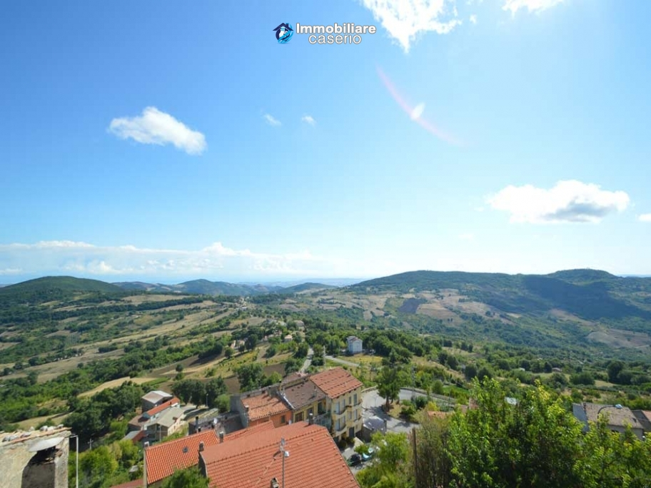 Habitable town house sea view for sale in a Medieval Castle town, Abruzzo