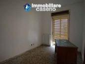 Selling house in Italy with terrace in Aruzzo, Roccaspinalveti 18