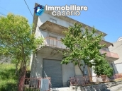 Selling house in Italy with terrace in Aruzzo, Roccaspinalveti 2