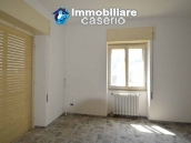 Selling house in Italy with terrace in Aruzzo, Roccaspinalveti 20