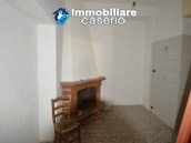 Selling house in Italy with terrace in Aruzzo, Roccaspinalveti 24