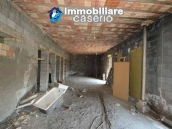 Selling house in Italy with terrace in Aruzzo, Roccaspinalveti 27