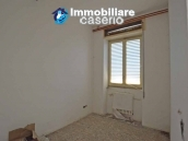 Selling house in Italy with terrace in Aruzzo, Roccaspinalveti 3