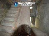 Selling house in Italy with terrace in Aruzzo, Roccaspinalveti 31