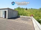 Selling house in Italy with terrace in Aruzzo, Roccaspinalveti 34