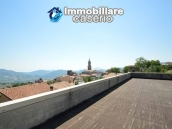 Selling house in Italy with terrace in Aruzzo, Roccaspinalveti 35