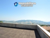 Selling house in Italy with terrace in Aruzzo, Roccaspinalveti 37