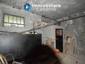 Selling house in Italy with terrace in Aruzzo, Roccaspinalveti 5