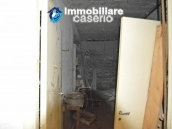Selling house in Italy with terrace in Aruzzo, Roccaspinalveti 9
