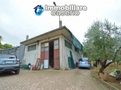 Crafts place with the possibility of turning into residential use with land for sale in Cupello, Italy 1