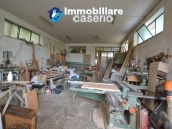 Crafts place with the possibility of turning into residential use with land for sale in Cupello, Italy 5