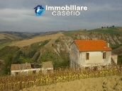 Rural house to renovate with 14.5 hectares for sale in Atri, Teramo 2