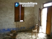 Rural house to renovate with 14.5 hectares for sale in Atri, Teramo 6